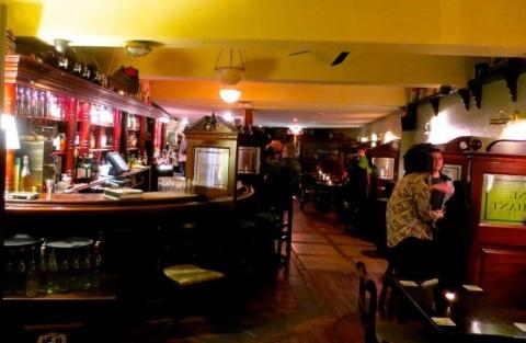 Bar Restaurant.jpg